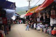 ตลาดบ้านม้งดอยปุย doi suthep temple hmong village tour