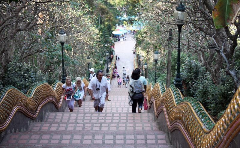 บันไดนาค วัดพระธาตุดอยสุเทพ doi suthep temple bhubing palace tour