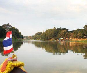ล่องเรือชมทัศนียภาพแม่น้ำปิง เที่ยวบ้านชาวนา