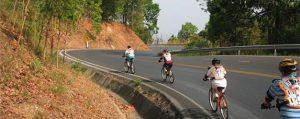 ทัวร์ปั่นจักรยานเสือภูเขา เส้นทางถนนลงดอยสุเทพ เชียงใหม่